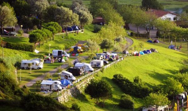 campingplatz talaimendi von zarautz, gipuzkoa, spanien